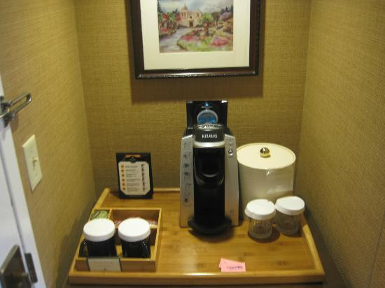 Portola Hotel & Spa at Monterey Bay: It's a Keurig in the room.