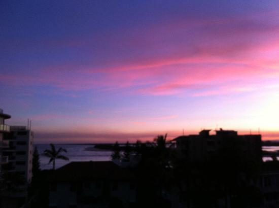 Aspect Caloundra: Spectacular Sunsets over Bulcock Beach