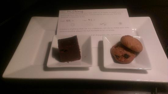 Ivy Boutique Hotel: nightly snack with the next day's weather report, yum!