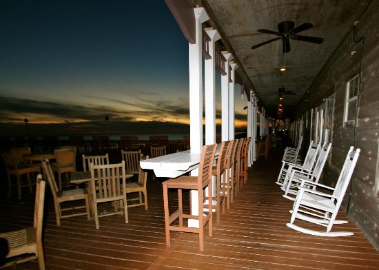 Henderson Park Inn: The deck