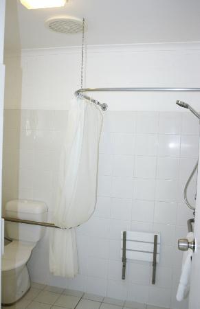 BEST WESTERN Ballina Island Motor Inn: Disabled Bathroom