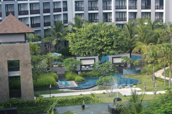 โรงแรมพูลแมน บาหลี ลีเกี้ยน เนอร์วานา: kolam renang