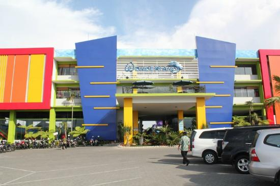 Batu Wonderland Hotel & Resort: Exterior Hotel