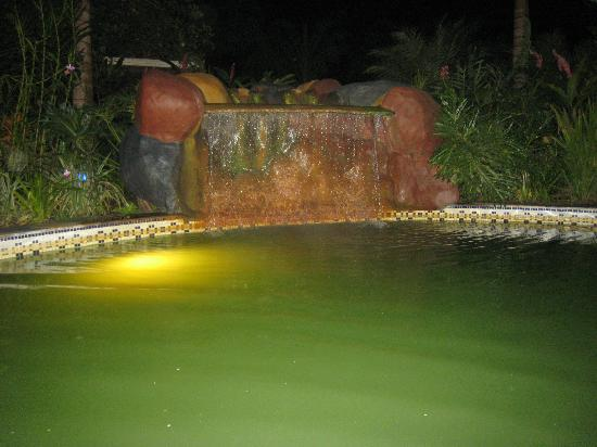 Blue River Resort & Hot Springs : Hot springs at night