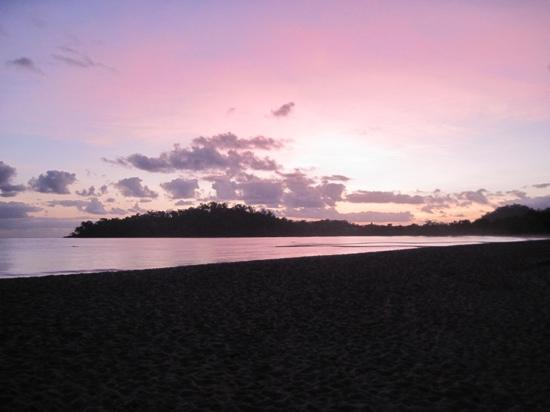 Kewarra Beach Resort & Spa: Kewarrabeach at sunrise