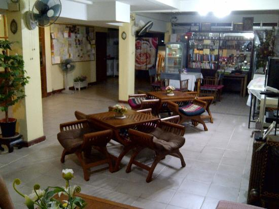 Vanilla Place Guest House: breakfast area or one may just have their take-away dinner or lunch here