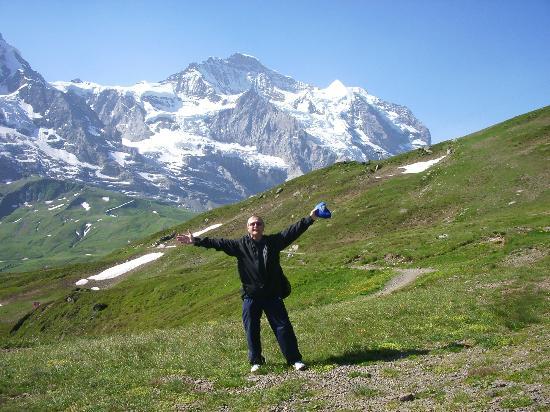 Hotel Jungfrau Lauterbrunnen: walk to klienn schildegg