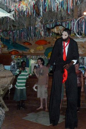 The Boat House Restaurant: Stilts guy