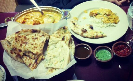 India Clay Oven: Nan, three dipping sauces, and Chicken Tikka Masala! Yum!!!