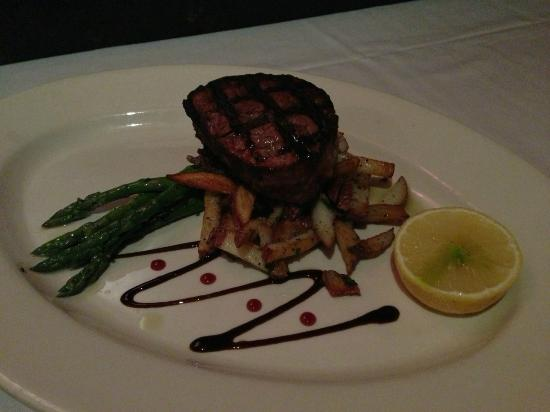 Baci Restaurant & Bar : Filet Mignon Entree