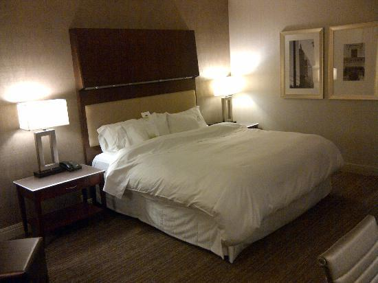 The Westin Copley Place, Boston: AWESOME Westin bed