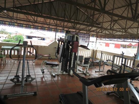 Mingalar Inn: Roof Top Gym