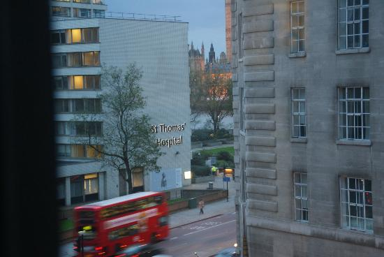 Park Plaza Westminster Bridge London: View from our room