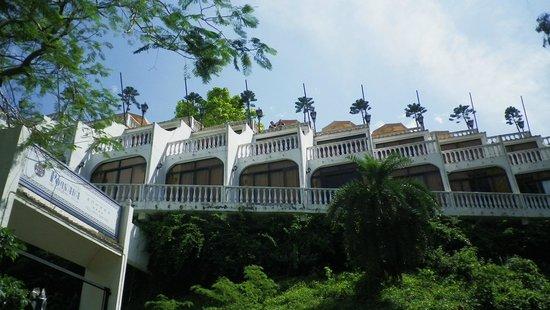 โรงแรมปูซาด้าเดโคโลเนบีช: exterior