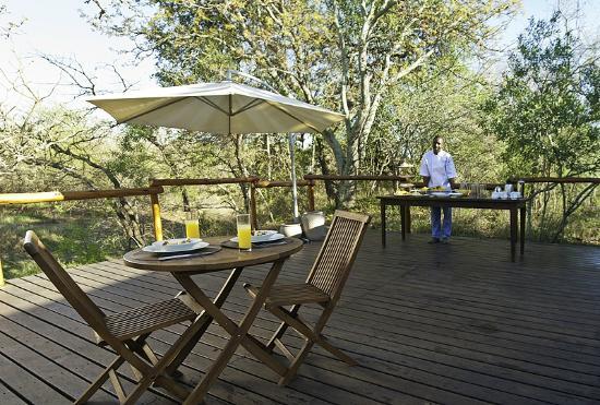 Ngama Tented Safari Lodge: Breakfast African style