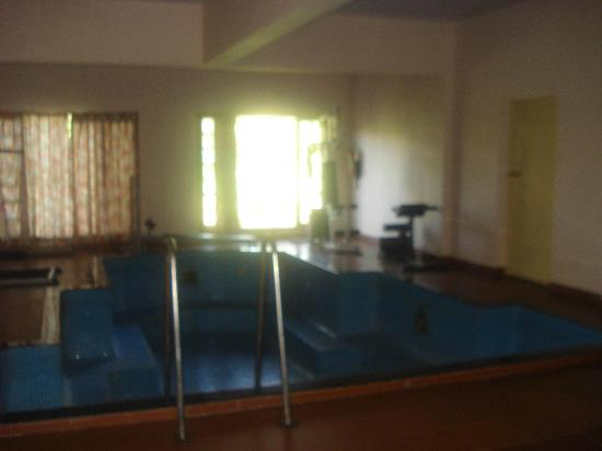 KTDC Tea County Munnar: Small gym