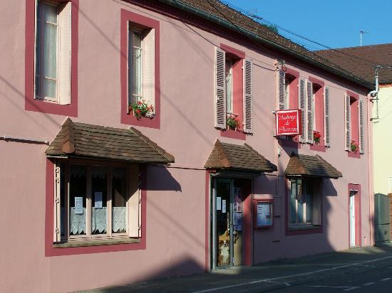 L'auberge de Chaussin : facade hotel