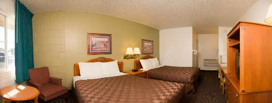 Rodeway Inn & Suites: ROOM WITH 2 QUEEN BEDS