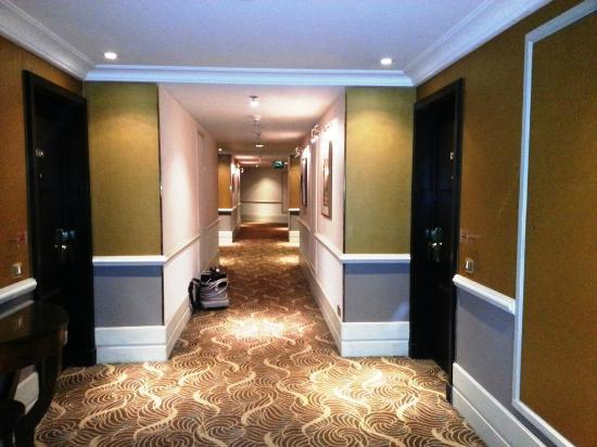 Sheraton Amman Al Nabil Hotel: Corridor