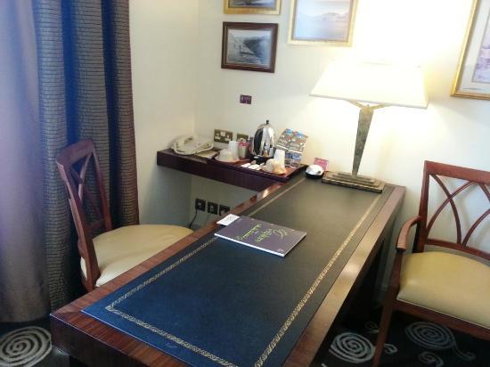 Sheraton Amman Al Nabil Hotel: Room office