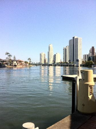 Vibe Hotel Gold Coast: exception river view fromm hotel