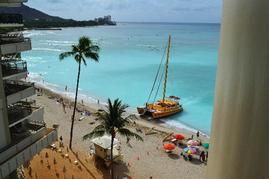 Outrigger Waikiki Beach Resort: View from Room 622