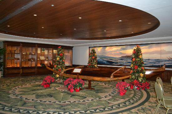 Outrigger Waikiki Beach Resort: Part of the Lobby