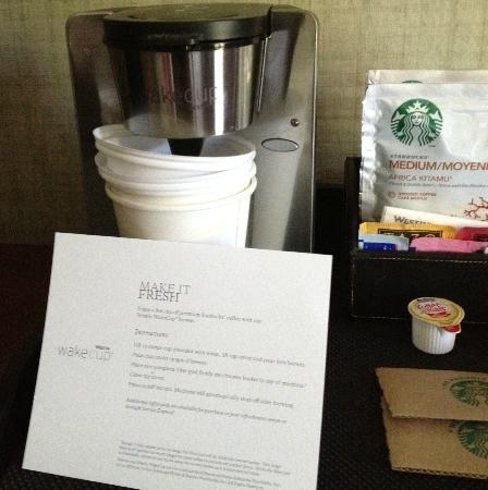 ذا ويستن سان فرانسيسكو إيربورت: coffee maker 