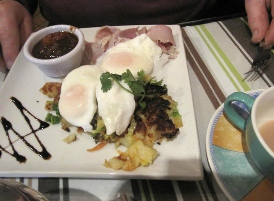The Eating House: Bubble & Squeak - poached eggs, home-baked ham with apple chutney £7.95