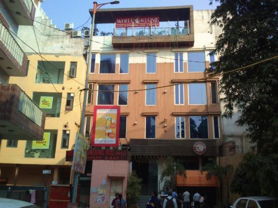 Fabhotel White Klove Paharganj Hotel Earance