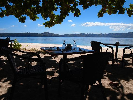 Club Paradise Palawan: Lunch near beach