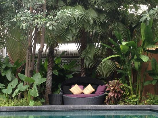 Sukhumvit 12 Bangkok Hotel & Suites: Piscine