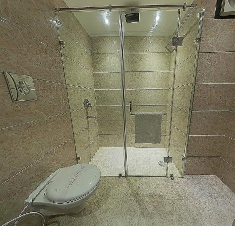 Hotel Sita International: Bathroom
