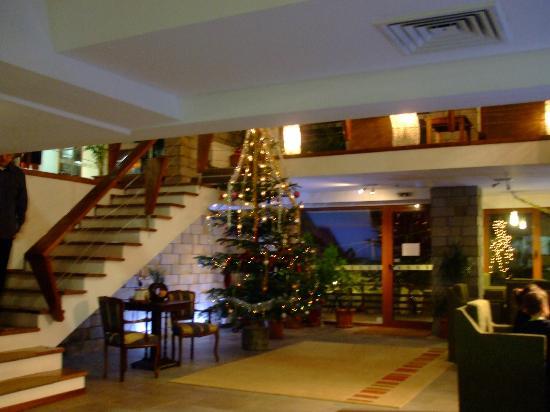 Club Hotel Yanakiev: lobby