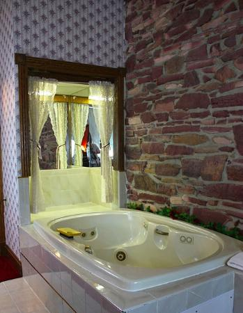 Historic Calumet Inn: Jacuzzi rooms available for your next romantic getaway!