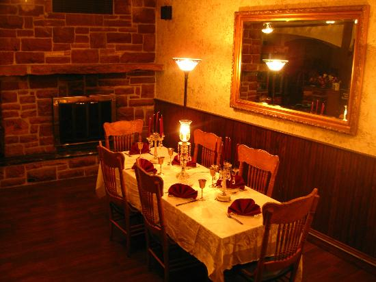 Historic Calumet Inn: Excellent dining and wining