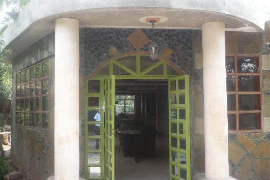 Bermuda Garden Hotel Nairobi: entrance