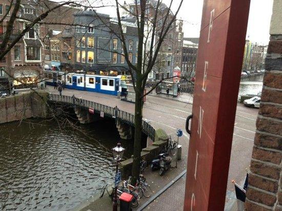 Dikker & Thijs Hotel: uitzicht op de hoek Prinsengracht / Leidsestraat