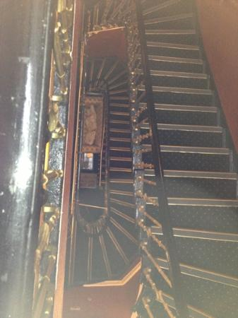 Fiddlers Elbow: all those stairs