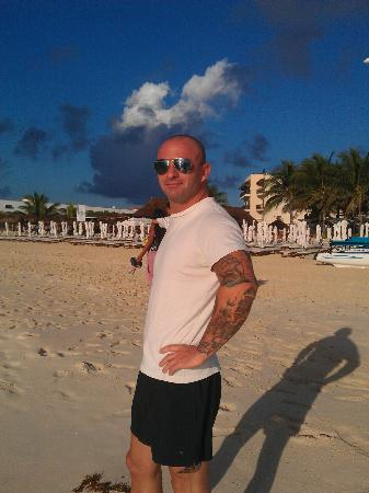 Hotel Riviera Caribe Maya: myself at playa