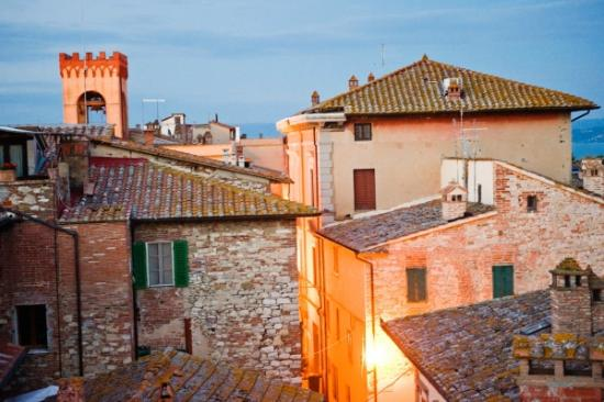 Il Torrione : view from the balcony over the town