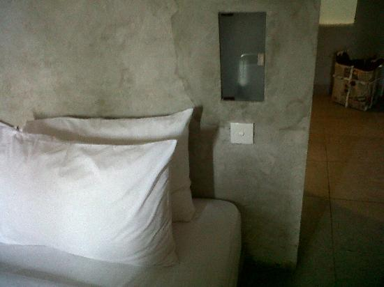 The Grey Boutique Inn : The bed light..