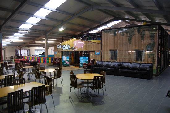 Cefn Mably Farm Park: Big heated playbarn