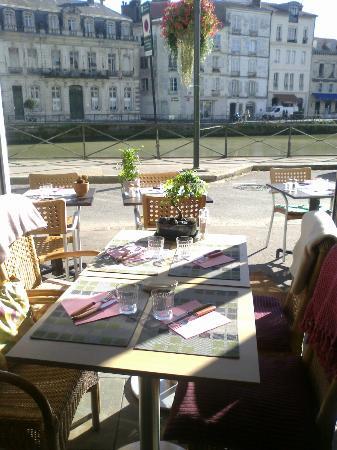 A Table : 20  novembre.... 20 degrés!