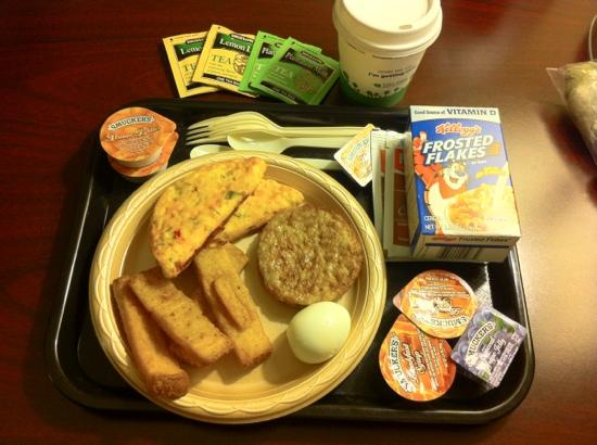 Hampton Inn Knoxville-East: 6:30am Breakfast Selections