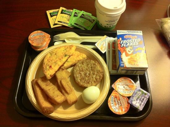 Hampton Inn Knoxville-East : 6:30am Breakfast Selections