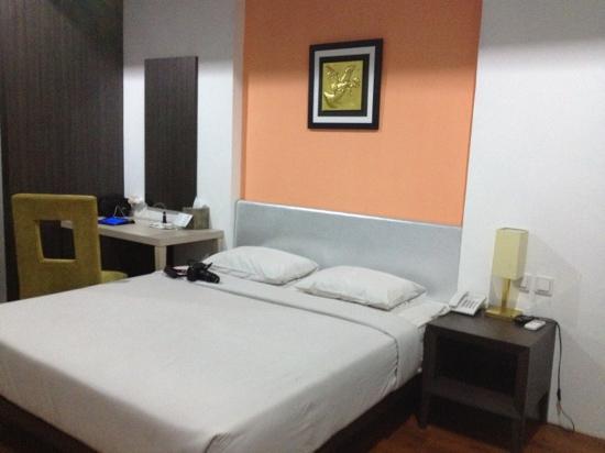 Hotel Victoria River View: kamarnya minimalis karena memang hanya bintang tiga