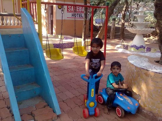 Sayeban Hotel: childrens park