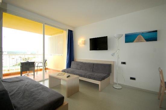 Premium apartment picture of apartamentos vistasol magaluf tripadvisor - Apartamentos magaluf ...
