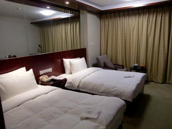 Friendship Hotel Hangzhou: 部屋の感じはいいですね。